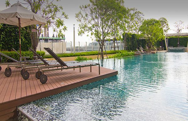 Ideo-Verve-Sukhumvit-Bangkok-condo-for-sale-swimming-pool